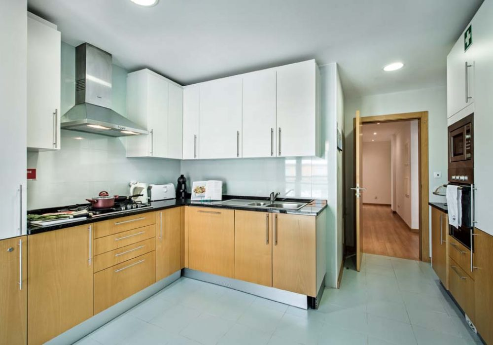 A-clean-and-fresh-well-equipped-kitchen