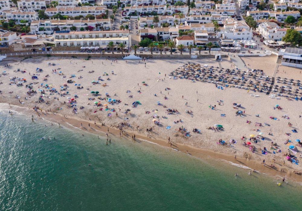 People-on-Praia-da-Luz